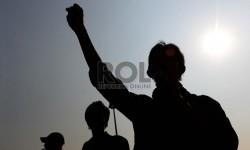 Mahasiswa yang tergabung dalam Badan Eksekutif Mahasiswa Seluruh Indonesia (BEM-SI) melakukan unjuk rasa yang bertemakan