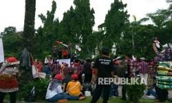 Suasana di jalan depan Kementerian Pertanian saat sidang penistaan agama digelar. (ilustrasi).
