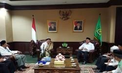 Menag Lukman Hakim Saifuddin menerima kunjungan pengurus Jam'iyyah Thariqah Mu'tabarah Indonesia (Jatmi) di Jakarta, Rabu (20/9)