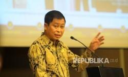 Menteri Energi dan Sumber Daya Mineral (ESDM) Ignasius Jonan memberikan sambutan dalam seminar Listrik Berkeadilan Untuk Rakyat dan Dunia Usaha di Jakarta, Rabu (29/3).