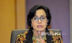 Menteri Keuangan Sri Mulyani  menyampaikan keterangan kepada wartawan terkait akses informasi keuangan untuk kepentingan perpajakan di Kantor Pusat Direktorat Jenderal Pajak, Jakarta, Jumat (9/6).
