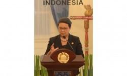 Menteri Luar Negeri Indonesia Retno Marsudi menyampaikan hasil pertemuan di Gedung Kementerian Luar Negeri, Jakarta, Selasa (12/1).