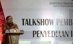 Menteri PPN\Kepala Bappenas Bambang Brodjonegoro memberikan sambutan sebelum Talkshow Pembiayaan Alternatif Penyediaan Infrastruktur di Jakarta, Jumat (17/2).
