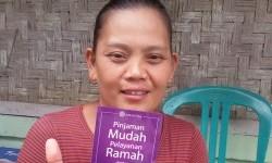 Mimi Marini salah satu mitra Amartha yang sukses menjadi agen perlengkapan rumah tangga