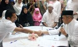 Mualaf bersyahadat di Masjid Agung Sunda Kelapa