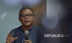 Pakar Hukum Pidana dari Universitas Trisakti, Abdul Fickar Hadjar menjadi pembicara pada diskusi yang diprakarsai oleh Indonesia Corruption Watch (ICW) di Jakarta, Minggu (30/7).