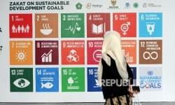 Papan informasi dipasang pada Philanthropy Learning Forum 18 di Jakarta, Rabu (26/7). Badan Amil Zakat Nasional (Baznas) dan Filantropi Indonesia (FI) menginisiasi perumusan Fiqih Zakat on Sustainable Development Goals (SDGs). P