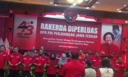 Pelantikan Baguna PDIP di Rakerda Diperluas PDIP Jawa Tengah, Semarang, Senin (8/2)