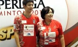 Pemain Korea yang membela Musica Champions, Lee Yong Dae bersama ibunya, Lee Aeja.