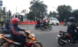 Penutupan arus lalu lintas di depan Kemeterian Pertanian pada sidang Ahok ke-15, Selasa (21/3).