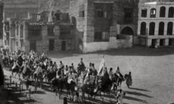 Perjalanan kafilah rombongan jamaah haji meninggalkan kota Makkah menuju padang Arafah pada tahun 1935.