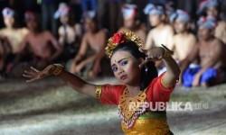 Persembahan tarian dari Kontingen Bali (Foto: Yasin Habibie)
