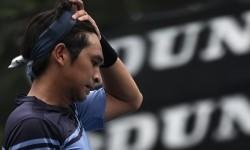 Seorang pemain tenis menyeka keringatnya/ilustrasi