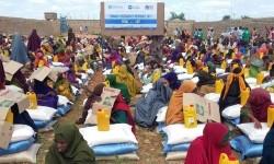 PKPU Human Initiative menyalurkan bantuan untuk warga Somalia.
