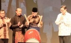 Jokowi: Modernisasi <em>Fesyen </em>Jangan Melupakan Norma Agama