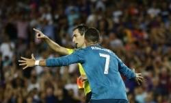 Reaksi Cristiano Ronaldo saat dikartu merah melawan Barcelona.