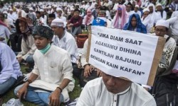 Million of people joined Aksi Bela Islam III in National Monument (Monas) area to staged a pray and dhikr rally on December 2, 2016. The same aspirations to be brought to another rally on Tuesday (Feb 21) in front of Parliamentary building.