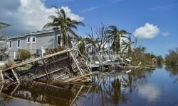 Rumah-rumah tampak hancur usai badai Irma di Florida, AS
