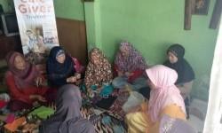 Rumah Zakat menggelar Sekolah Lansia di Kelurahan Gumuruh, Kecamatan Batununggal, Kota Bandung, belum lama ini.