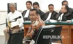 Saksi Andi Windo Wahyudi yang melaporkan postingan Buni Yani hadir pada sidang lanjutan kasus dugaan pelanggaran Undang-undang Informasi dan Transaksi Elektronik (ITE) yang menjerat Buni Yani, di Gedung Arsip dan Perpustakaan Daerah Kota Bandung, Kota Bandung, Selasa (18/7).