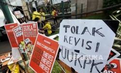 Penolakan Revisi UU KPK (Republika/Rakhmawaty La'lang)
