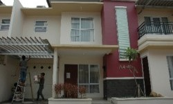 DPR has rehabilitated all its housing in Kalibata at a cost of hundreds of billions of rupiah in 2010.