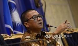 Sekretaris Fraksi PAN Yandri Susanto saat konferensi pers di Ruang Rapat Fraksi PAN, Kompleks Parlemen, Senayan, Jakarta, Selasa (19/9).