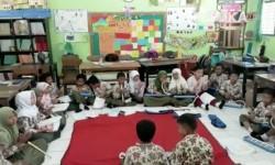 Siswa dan siswi SD Negeri 2 Karangmloko Kabupaten Sleman, Yogyakarta.
