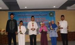 Siswa SDIT Ummul Quro meraih juara umum pada Lomba Keterampilan Agama tingkat Kecamatan Beji, Kota Depok.