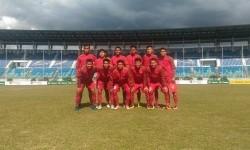 Skuat Timnas Indonesia U-19 berpose sebelum laga Piala AFF U-18 lawan Brunei Darussalam, Rabu (13/9).