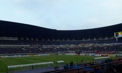 Suasana di dalam Stadion Gelora Bandung Lautan Api, Bandung, Jawa Barat jelang laga Liga 1 antara Persib melawan Persija, Sabtu (22/7).