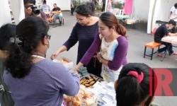 Suasana Pasar Akhir Pekan Ramadhan, Artha Graha Peduli (ilustrasi)