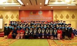 Suasana wisuda angkatan ke-9 Akademi Kebidanan Pelita Ilmu.