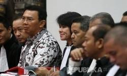 Defendant of religious blasphemy case, Basuki Tjahaja Purnama (Ahok) attended the trial on Auditorium of Ministry of Agriculture.