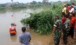 Pencarian korban tenggelam (ilustrasi)