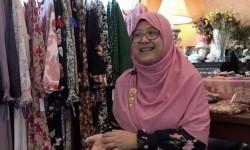Kenalkan Indonesia Lewat Bisnis <em>Modesty Clothing</em> di AS