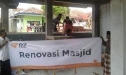 YMN (Yayasan Masjid Nusantara) bersama RZ (Rumah Zakat) menyalurkan bantuan untuk renovasi Masjid As-Salafiyah di Kp. Pananggungan RT 03/RW 07, Desa Lengkongjaya, Kec. Karangpawitan, Garut.
