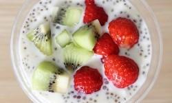 Yogurt dengan buah