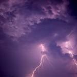 Subhanallah, Guntur dan Kilat pun Bertasbih Memuji Allah SWT
