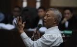 Eks Dirjen Perhubungan Laut Antonius Tonny Budiono menjadi saksi dalam sidang Tindak Pidana Korupsi Andi Putra Kurniawan di Pengadilan Tindak Pidana Korupsi, Jakarta, Senin (18/12).