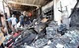 Kondisi Pasar Gembrong Lama pasca kebakaran di Jakarta, Jumat (8/12).