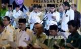 Ketua Majelis Syuro Partai Keadilan Sejahtera (PKS) Salim Segaf Al-Jufri  bersama Presiden PKS Sohibul Iman memimpin pembacaan ikrar pemenangan dan pakta integritas dalam acara Konsolidasi Pasangan Calon Kepala Daerah PKS se-Indonesia di Jakarta, Kamis (4/1).