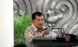 Vice President and chairman of the 2018 Asian Games' steering committee Jusuf Kalla gave direction after the signing of the 2018 Asian Games sponsorship cooperation at the Vice President's Palace, Jakarta, Wednesday (December 6).