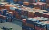 Loading activities at an international port (illustration)