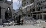 Bangunan di Jalur Gaza, Palestina hancur akibat serangan militer Israel.
