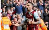 Danny Ings saat merayakan golnya ke gawang Hull City