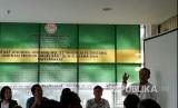 Direktur Eksekutif Indonesia Halal Watch (IHW), Ikhsan Abdullah, memberikan sambutan di diskusi Manfaat UU JPH (Ilustrasi)