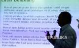 """Founder Saiful Mujani Research and Consulting (SMRC), Saiful Mujani memberikan pemaparan dalam diskusi yang bertemakan """"Protes Sosial dan Legimitasi Kepemimpinan Nasional"""" yang digelar di Jakarta, Kamis (8/12)."""