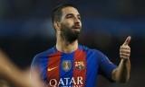 Gelandang Barcelona, Arda Turan mencetak hattrick pada laga Liga Champions lawan Borussia Muenchengladbach di Camp Nou, Rabu (7/12) dini hari WIB. Barca menang telak, 4-0.