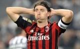 Gelandang Riccardo Montolivo.